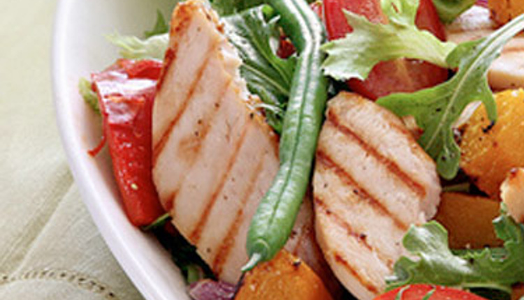 Akşam tarifi: Tavuklu Yaz Salatası