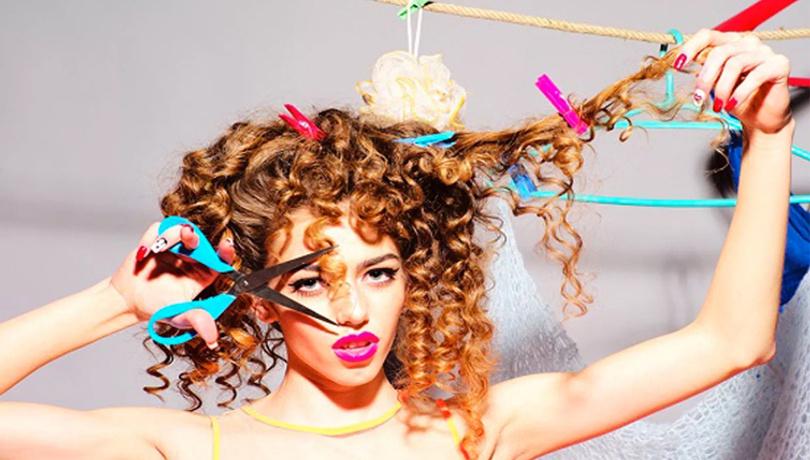 Kıvırcık saçlılar için 5 saç modeli