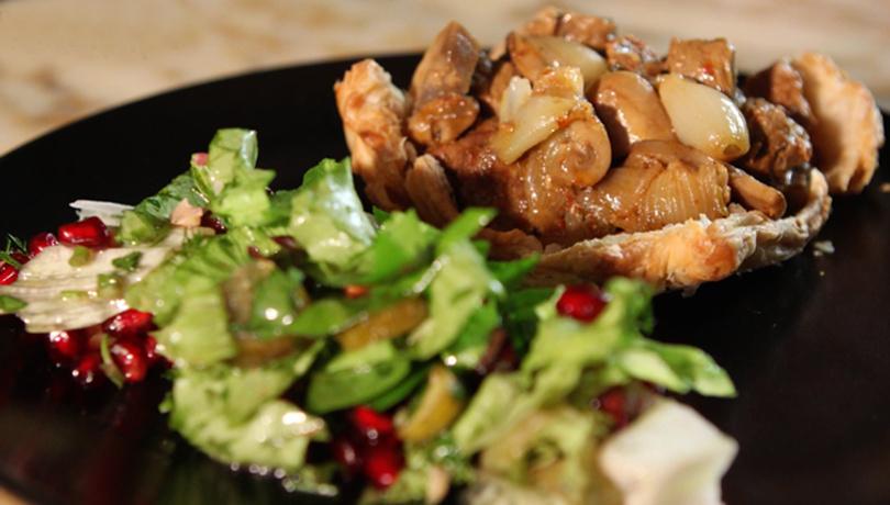 Hem çıkır hem leziz: Milföy hamurlu et kavurma