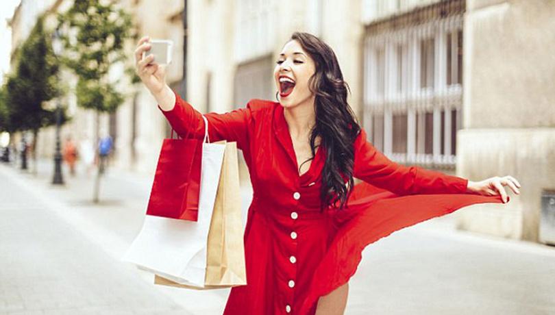 Elbiselerde kırmızı şıklığı!