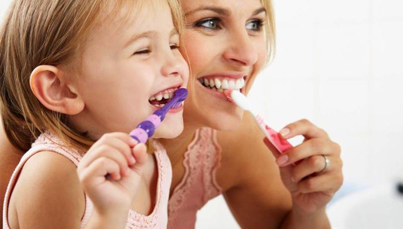 3 temel adımla çocuklarınızın diş hijyenini oluşturun!