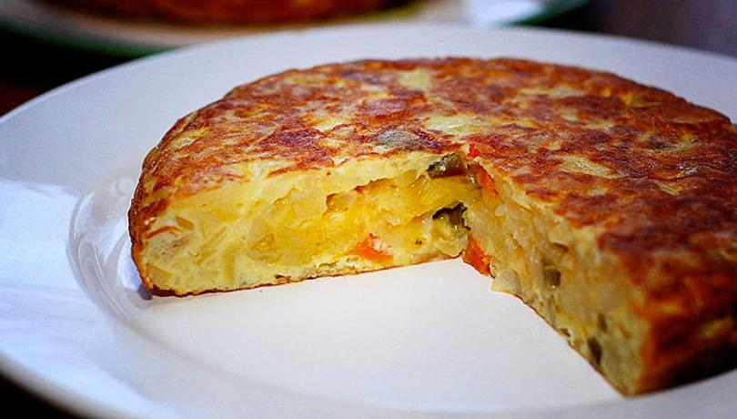 Sağlam bir kahvaltı için patatesli omlet