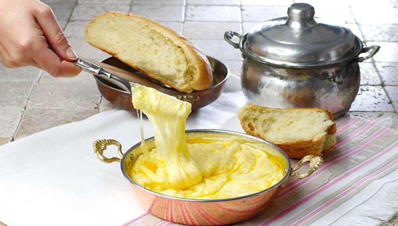 Kahvaltıda Karadeniz lezzeti: Muhlama tarifi