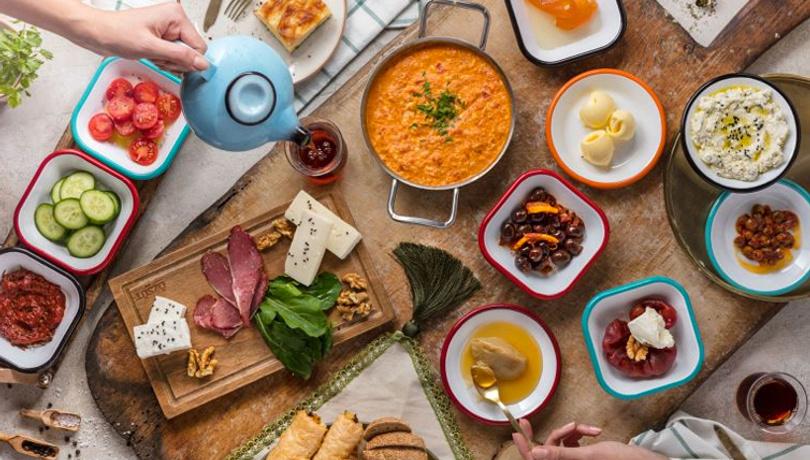 Kahvaltıda baş döndüren lezzet: Rulo katmer tarifi