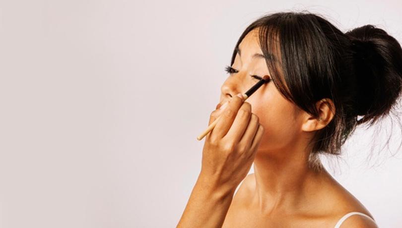Gün içerisinde eyelinerınızın bozulmasını istemiyorsanız...