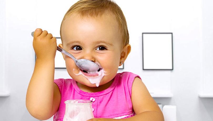 Bebeğinizi bırakın kendi yesin!