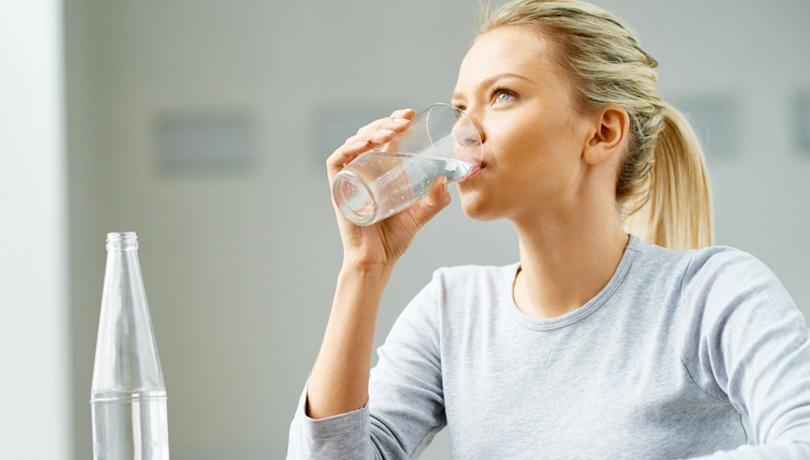 Ramazanda dinç olmak için iftarda ne kadar su içilmeli?