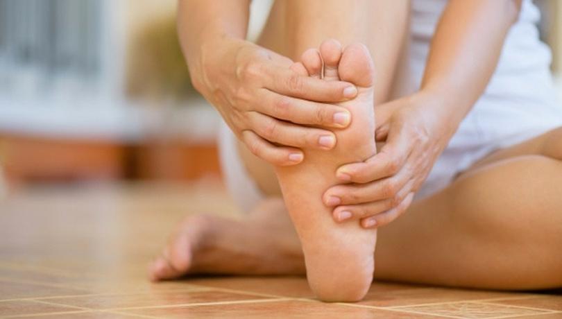 Bu hata ayaklarınızda nasır çıkmasına neden oluyor!