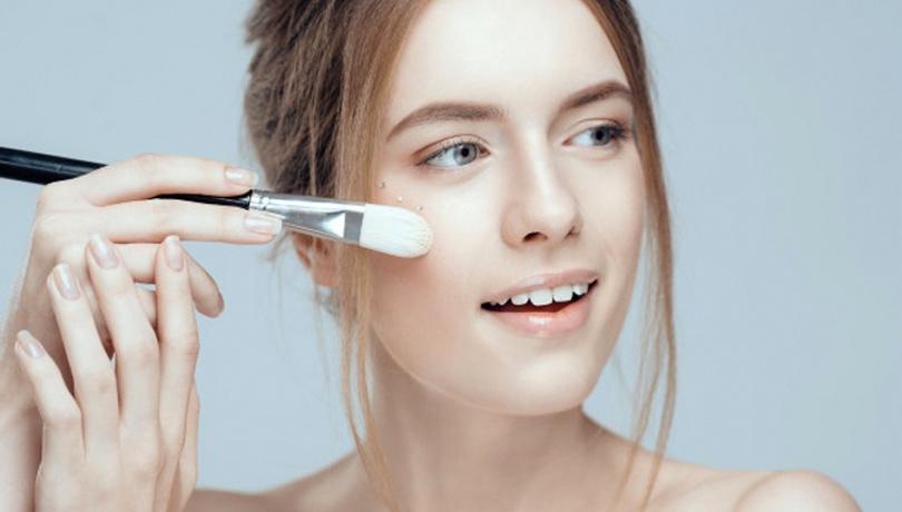 Makyaj fırçalarını temizlemenin püf noktaları!