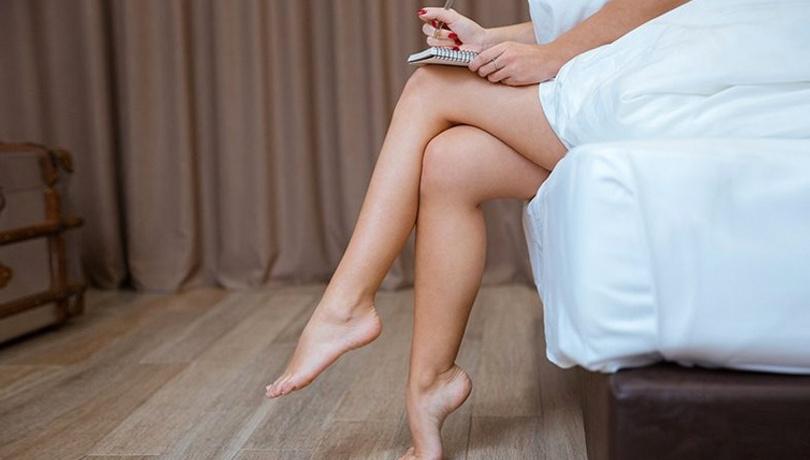 Sık sık bacak bacak üstüne atıyorsanız bu hastalık peşinizde!