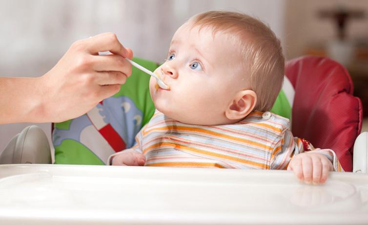 Bebek önderliğinde beslenme-Baby Led Weaning nedir?