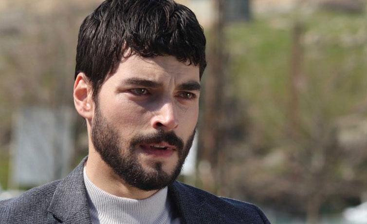 Hercai dizisinin başrol oyuncusu Akın Akınözü'nün sevgilisi bakın kimmiş!