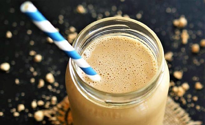 kahvaltida-icilen-fistik-ezmeli-smo-v0ta